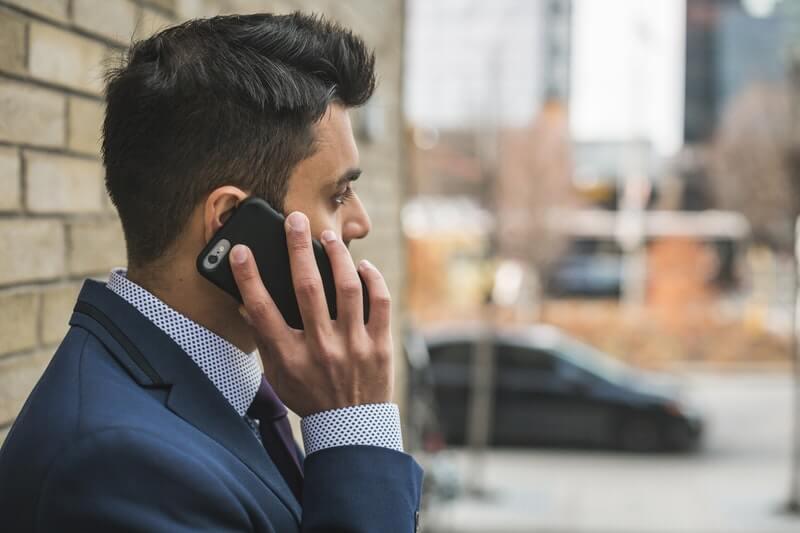 英語での電話のすぐできる対処方法